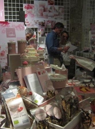 TASTE Firenze  2013 decorazioni per aamerican cake