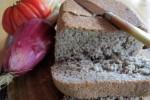 Pane con miglio e semi di lino, ottimo per unghie e capelli.