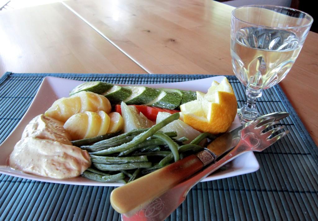 delle semplici verdure al vapore diventano un piatto completo e interessante.