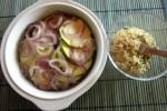 Copri le verdure con il composto di pangrattato senza glutine, mandorle e semi di zucca...
